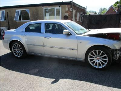 Image of 2010 Chrysler 300c SRT Crd 2987cc Turbo Diesel Automatic 5 Speed 5 Saloon