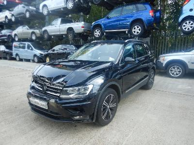 2017 Volkswagen Tiguan SE Navigation TSi 150 BMT 1395cc Turbo Petrol Manual 6 Speed 5 Door SUV